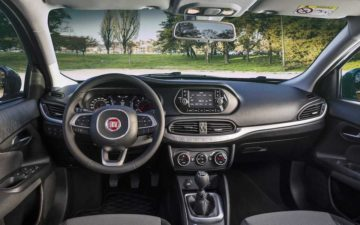 Réserver Fiat Tipo Sedan